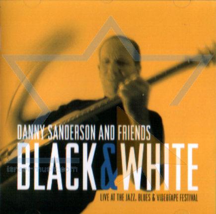 Black and White Par Danny Sanderson